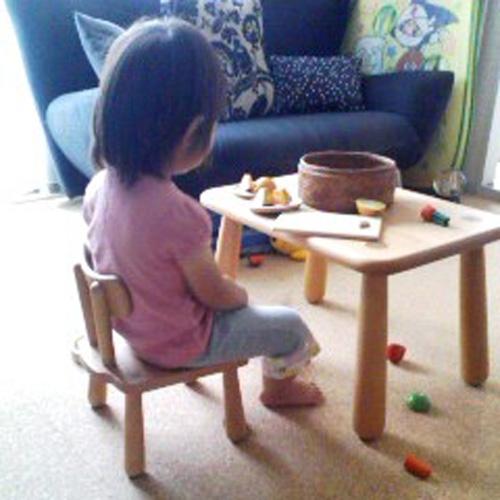 特注無垢の四角いキッズテーブル550×400×350
